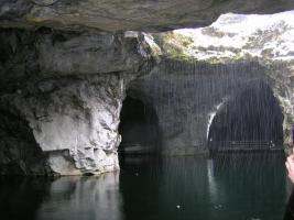 Подземное озеро карьер Рускеала.JPG