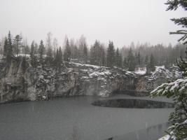 Панорама озера Мраморное (карьер Рускеала).JPG